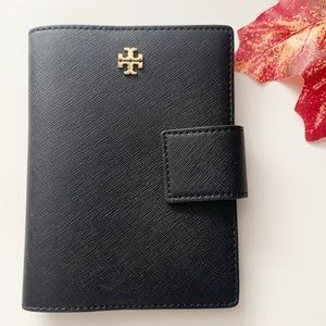 Tory Burch • Emerson Black Snap Passport Holder